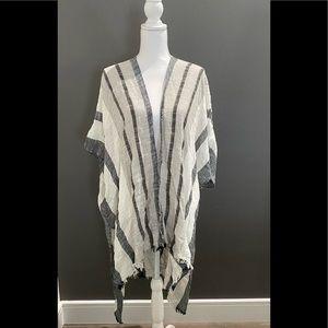 NWT Women's American Eagle O/S Short Sleeve Kimono